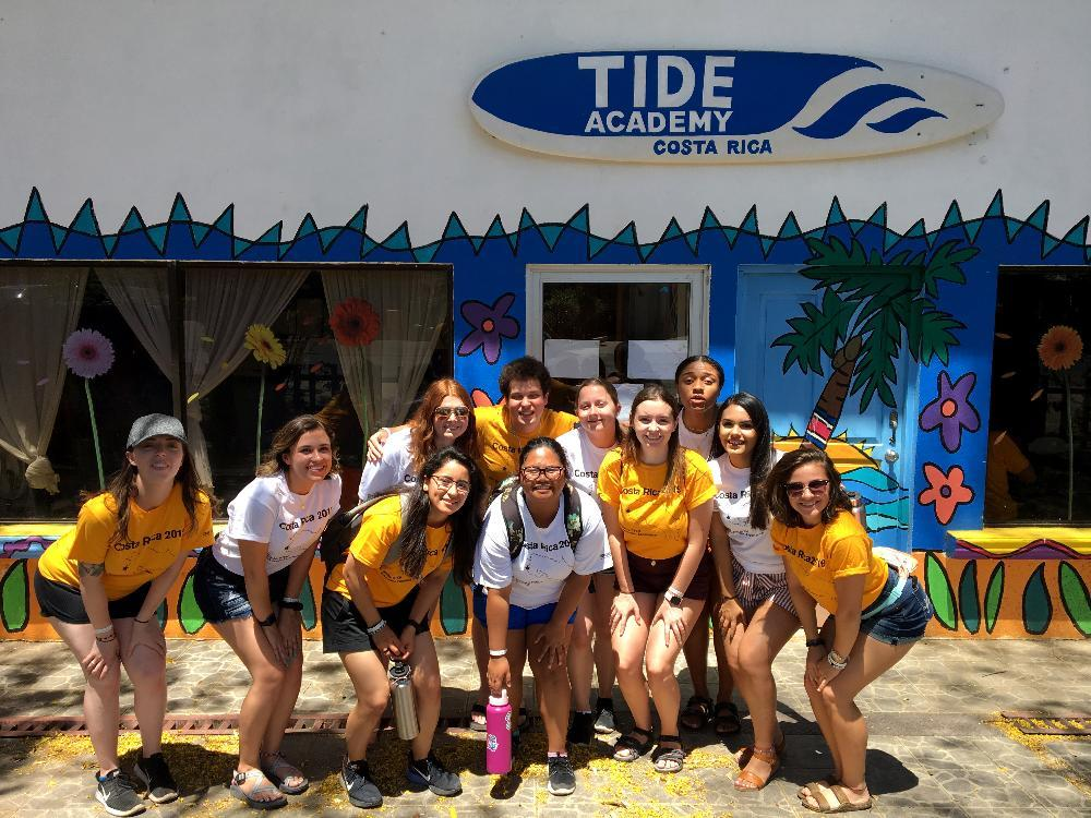 ASU science students at Tide Academy in Costa Rica